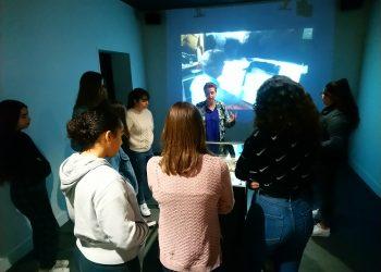 Les élèves visitent l'exposition Miró et Manu vb Tintoré.